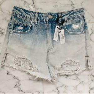 TOPSHOP High Waisted Distressed Ombré Mom Short